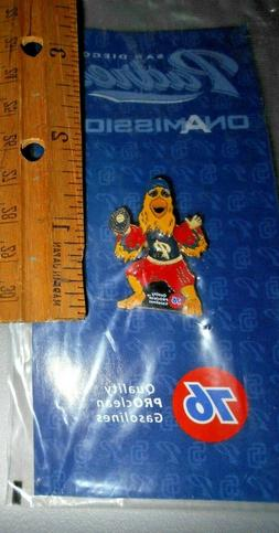 San Diego Padres Chicken Moveable Head Pin Union 76 NIP